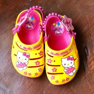 ❤️Hello Kitty Yellow & Pink Infant Shoes- Size 6